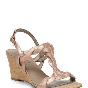 Donald Pliner Jooli T-Strap Wedge Sandals 9M